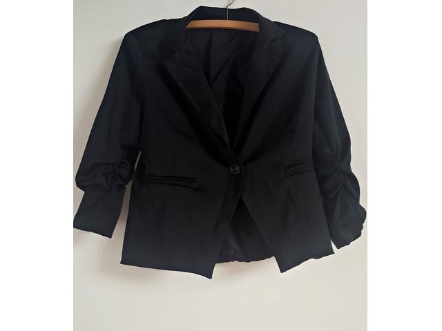 NOVI crni sako