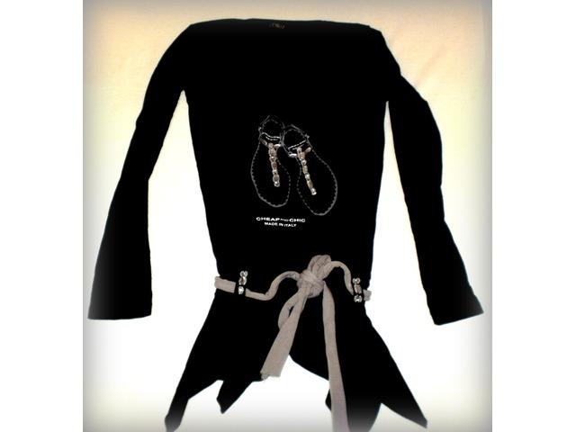 Crna tunika s elastinom i ukrasnim kamencicima