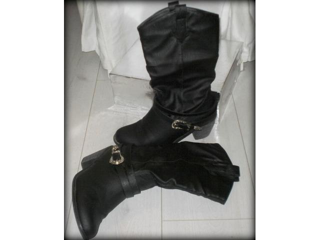 AKCIJA 110KUNA!Crne kaubojske čizme, broj 39