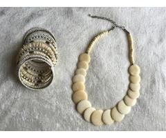 Ogrlica i narukvica, boja slonove kosti