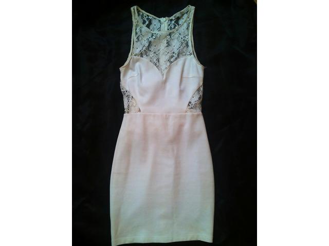Bijela čipkasta ZARA haljina