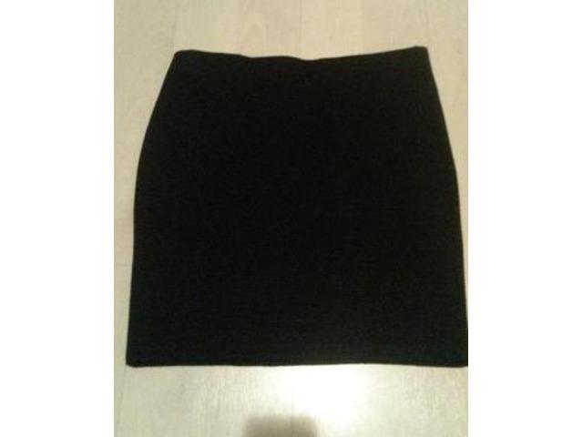 NOVA crna suknja(Takko) S/M