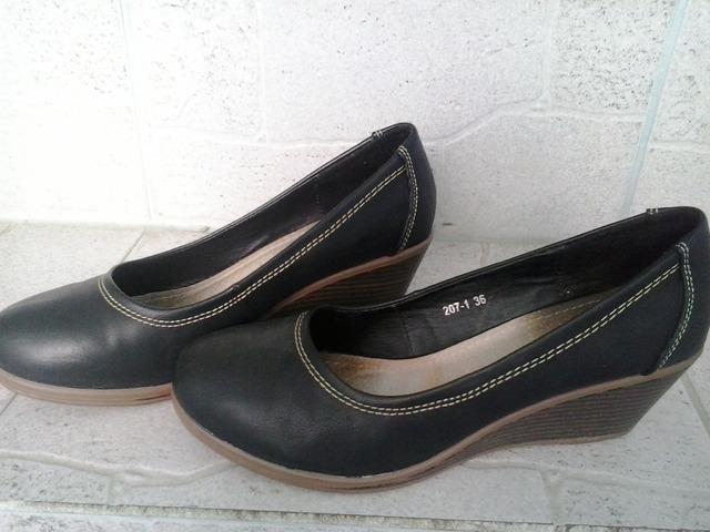 Cipele br 37(očuvane)
