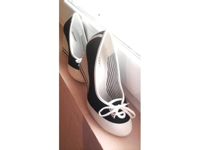 NOVE cipelice vel 38(Morandi)
