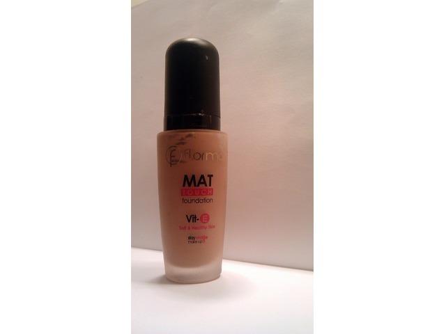 Flormar MAT TOUCH puder - nijansa M30 Soft Beige
