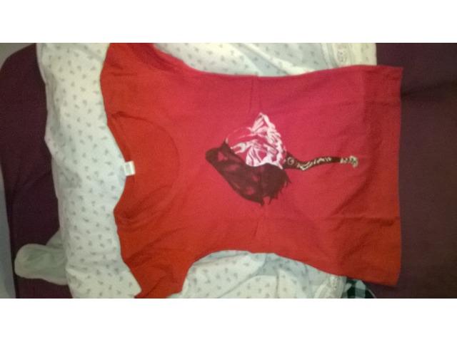 Crvena kratka majica