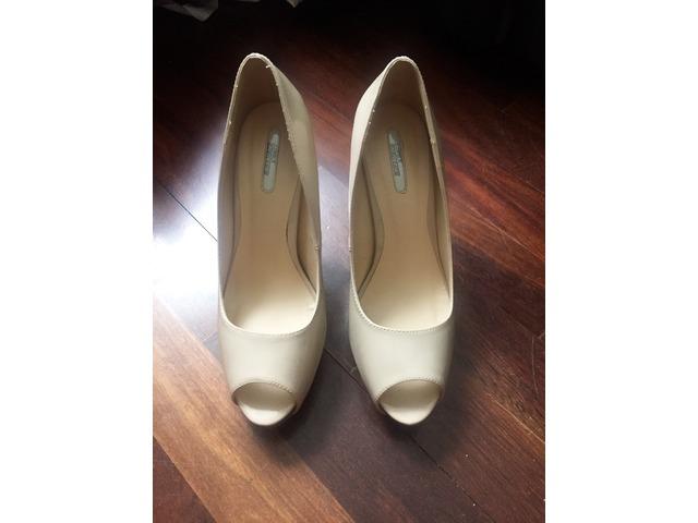 Bež cipele 40
