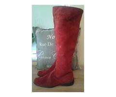 Crvene visoke čizme
