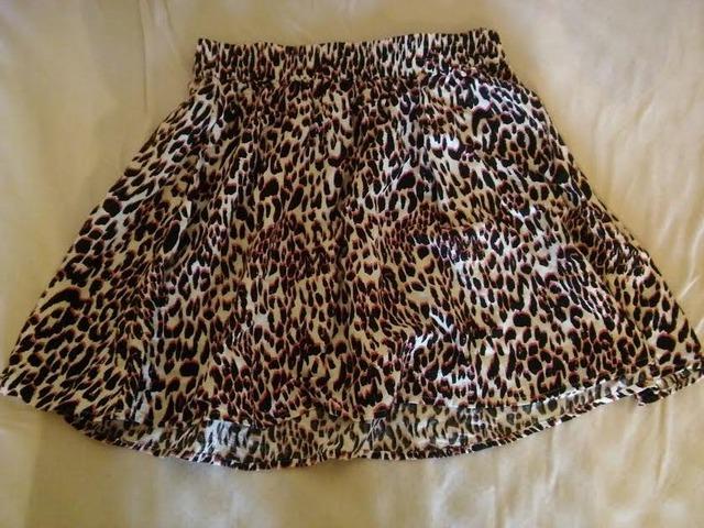 Suknja s pink leopard uzorkom