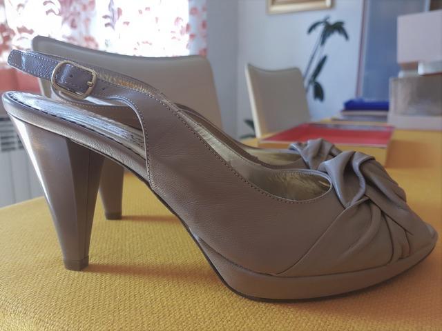 Nove talijanske sandale od kože vel. 40