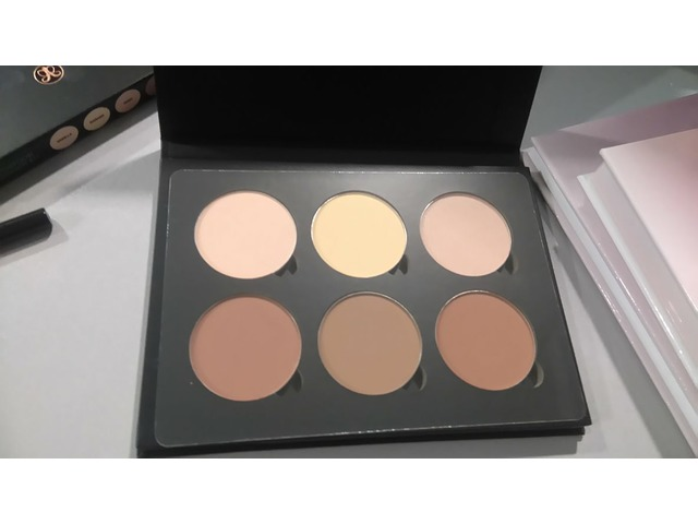 anastasia beverly hills contpur paleta light/medium