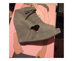 Mary Roks - Jeffrey Campbell