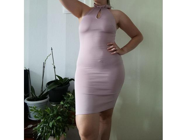 Svijetlo ružičasta haljina, broj 40