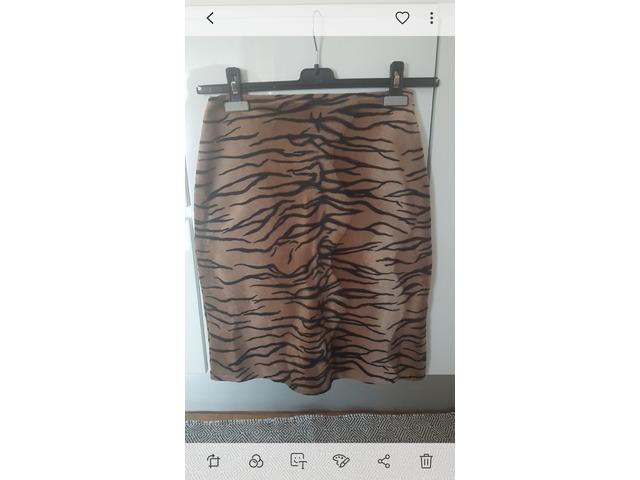 Suknja sa životinjskim printom