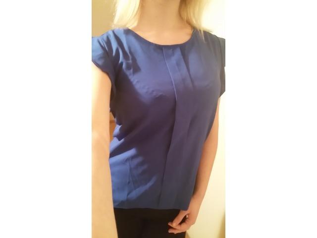 Elegantna plava majica