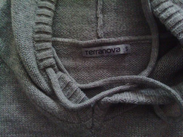 Siva majica, S